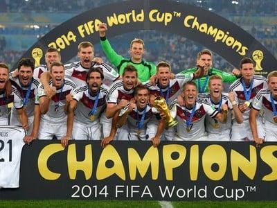 Nemecké oslavy s trofejou svetových šampiónov