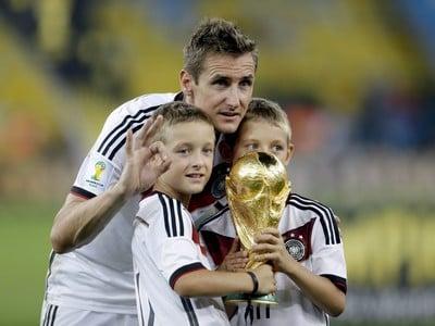 Miroslav Klose so synmi