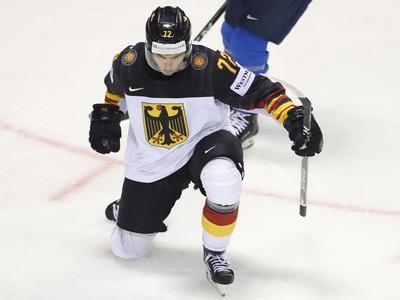 Nemecký hokejista Dominik Kahun