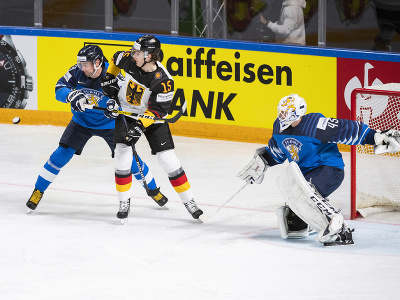 Na snímke zľava Mikael Ruohomaa (Fínsko), Stefan Loibl (Nemecko) a Jussi Olkinuora (Fínsko)