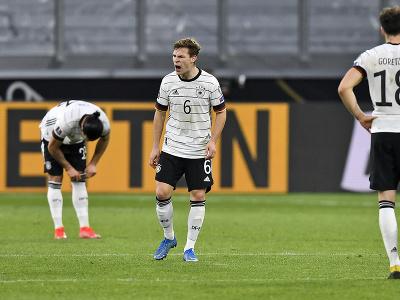 Joshua Kimmich a ďalší hráči Nemecka neskrývali sklamanie