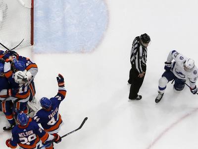 New York Islanders oslavuje víťazstvo