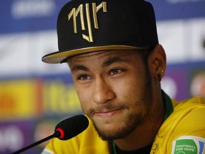 Neymar so slzami v
