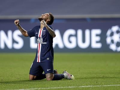 Neymar a jeho oslavy