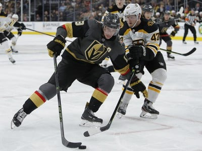 Boston zvíťazil na ľade Golden Knights
