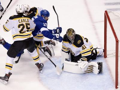 Momentka zo zápasu Bruins