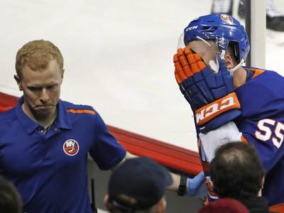 Johnny Boychuk utrpel nepríjemné