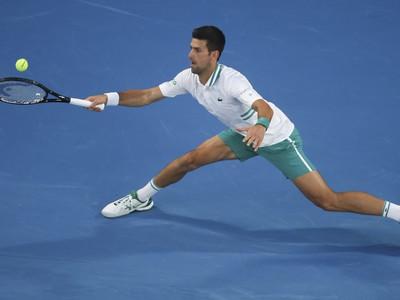 Novak Djokovič počas semifinále AO