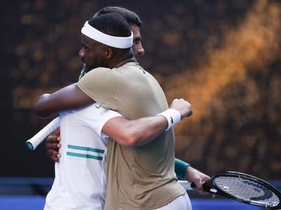 Frances Tiafoe a Novak Djokovič po vzájomnom zápase