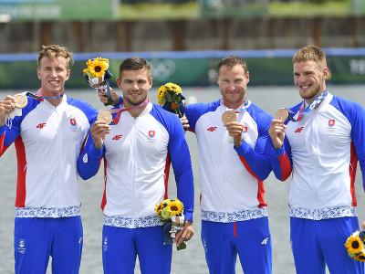 Na snímke slovenská posádka