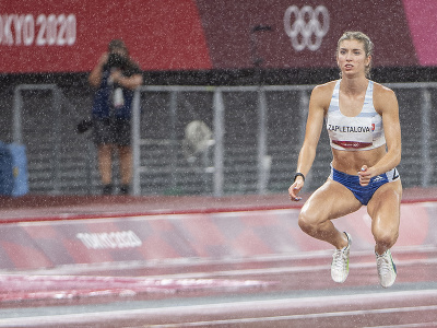Na snímke slovenská atlétka Emma Zapletalová pred štartom semifinálového behu na 400 m prekážok na XXXII. letných olympijských hrách v Tokiu