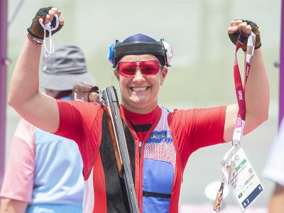 Na snímke slovenská strelkyňa Zuzana Rehák Štefečeková sa teší po tom, čo vyhrala kvalifikáciu trapu v novom svetovom rekorde 125 bodov