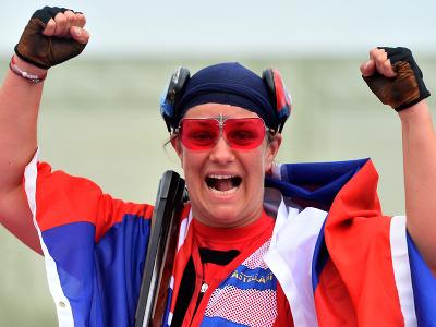 Slovenská strelkyňa Zuzana Rehák Štefečeková sa teší zo zisku zlatej medaily po triumfe vo finále trapu na XXXII. letných olympijských hrách v Tokiu