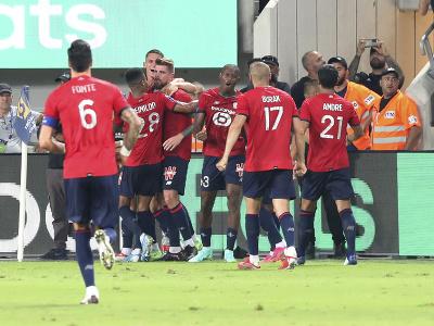 Hráči OSC Lille oslavujú gól