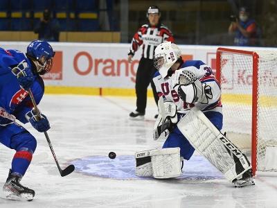 Vľavo hráč Slovenska U18