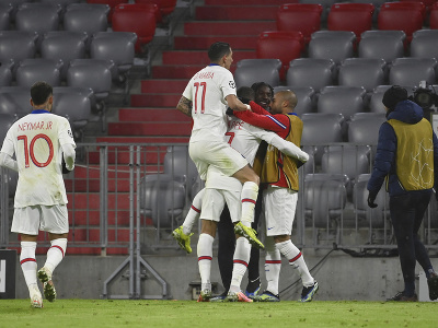 Hráči Paríža Saint-Germain oslavujú