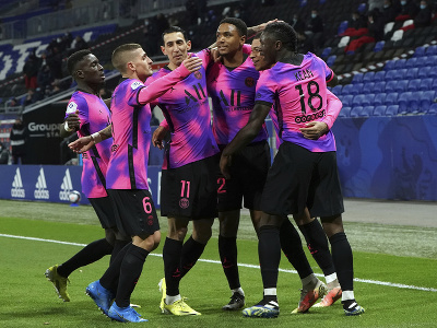 Radosť hráčov PSG z gólu