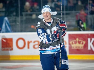 Peter Bondra počas súboja legiend na hokejovom podujatí Kaufland Winter Classic Games 2019 v Banskej Bystrici