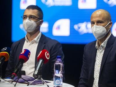 Zľava prezident Slovenského atletického zväzu (SAZ) Peter Korčok a šéftréner SAZ Martin Pupiš počas tlačovej konferencie k halovým Majstrovstvám Európy v poľskom meste Toruň