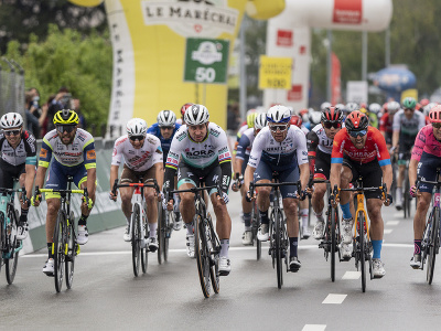 Peter Sagan ovládol prvú etapu pretekov Okolo Romandie