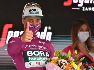 Peter Sagan v cyklámenovom