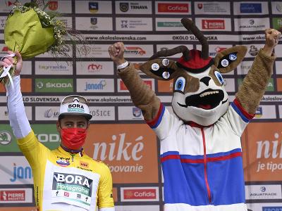 Peter Sagan v žltom drese pre lídra pretekov Okolo Slovenska