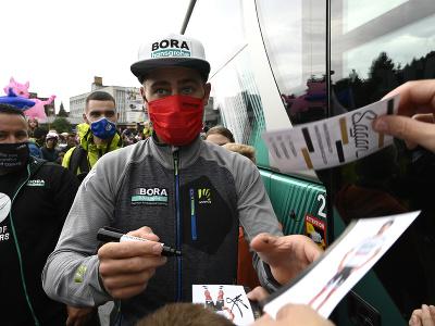Fanúšikovia sa radujú z prítomnosti Petra Sagana v cieli tretej etapy Okolo Slovenska