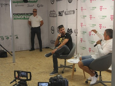 Peter Sagan na tlačovej konferencii v Bratislave 7. augusta 2019