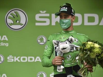 Peter Sagan v zelenom drese na pódiu