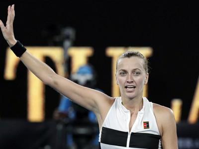 Petra Kvitová a jej víťazné oslavy po triumfe nad Ashleigh Bartyovou