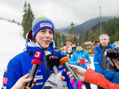 Víťazka v kategórii slalom žien Petra Vlhová počas brífingu po preteku majstrovstiev Slovenska (MS) v zjazdovom lyžovaní v lyžiarskom stredisku Vrátn