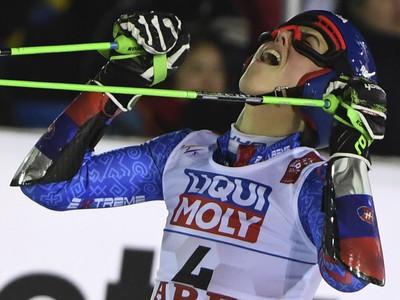 Petra Vlhová a jej víťazná radosť v cieli po zisku zlatej medaily