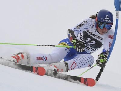 Petra Vlhová na trati obrovského slalomu žien Svetového pohára vo francúzskom stredisku Courchevel