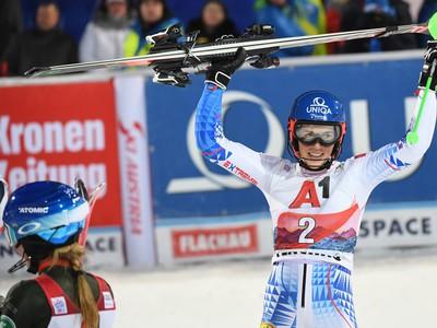 Radosť Petry Vlhovej v cieli po vyhratom slalome vo Flachau