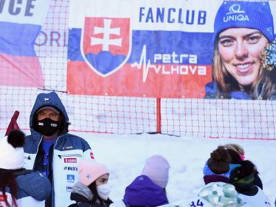 Transparent slovenskej lyžiarky Petry Vlhovej na obrovskom slalome v Jasnej