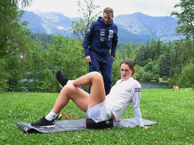 Petra Vlhová a jej kondičný tréner Šimon Klimčík