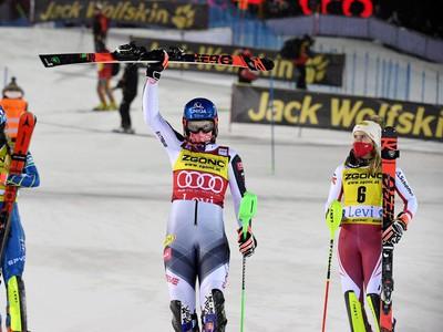 Mikaela Shiffrinová, Petra Vlhová a Katharina Liensbergerová