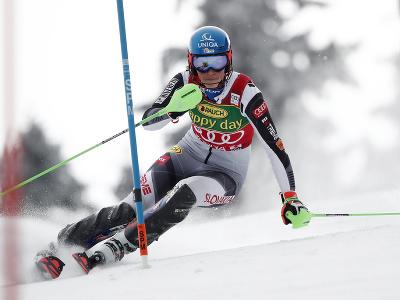 Slovenská lyžiarka Petra Vlhová na trati počas 1. kola slalomu v Jasnej
