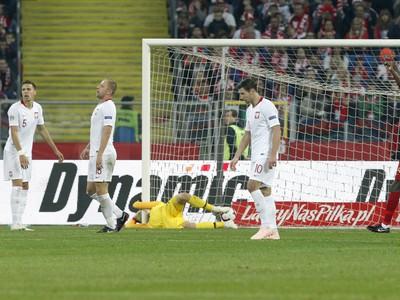 William Carvalho (vpravo v červenom) sa raduje z gólu
