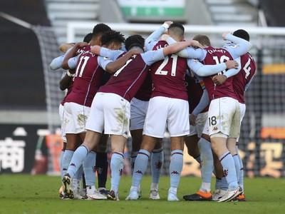 Víťazné oslavy futbalistov Aston Villy