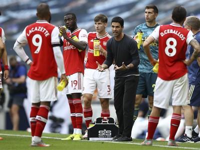 Tréner Mikel Arteta a futbalisti Arsenalu