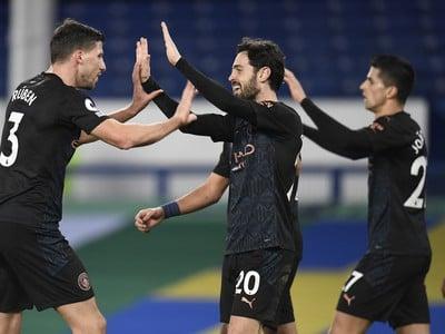 Bernardo Silva (20) a jeho gólové oslavy so spoluhráčmi