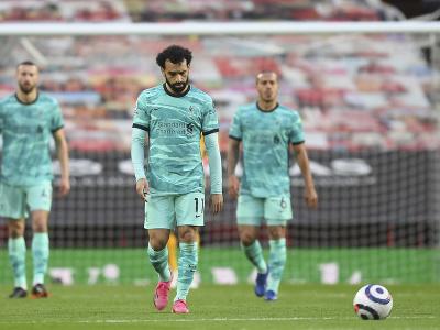 Mohamed Salah a frustrovaní hráči Liverpoolu po inkasovanom góle