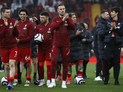 Oslavujúci hráči Liverpoolu