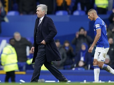 Ancelotti musí FA vysvetliť svoj hnev po zápase