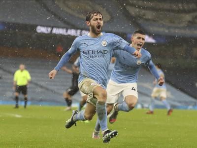 Hráči Manchestru City sa radujú z gólu
