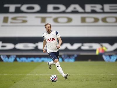 Anglický futbalový útočník Harry