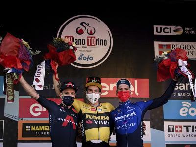 Primož Roglič oslavuje triumf na klasike Miláno - Turín