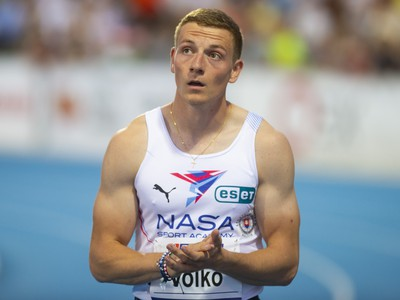 Na snímke slovenský reprezentant Ján Volko počas finále mužov v behu na 100 metrov na 54. ročníku atletického mítingu PTS v Šamoríne