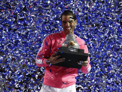 Rafael Nadal oslavuje titul